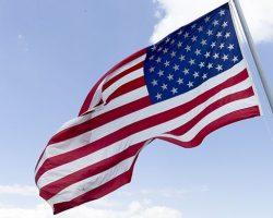 В США прошли акции протеста против введения ЧП