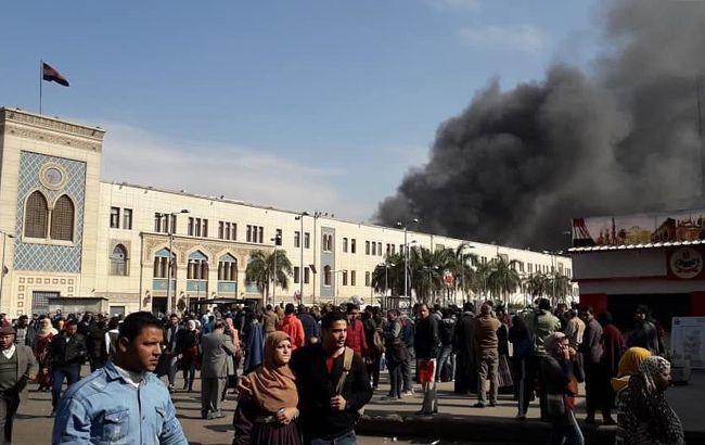 В Египте назвали причину крушения поезда на вокзале Каира