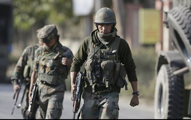 Количество жертв обстрелов в Кашмире превысило 10