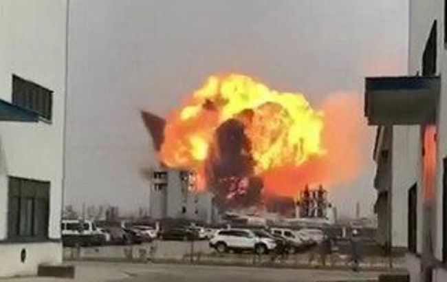 В Китае возросло число жертв взрыва на химзаводе