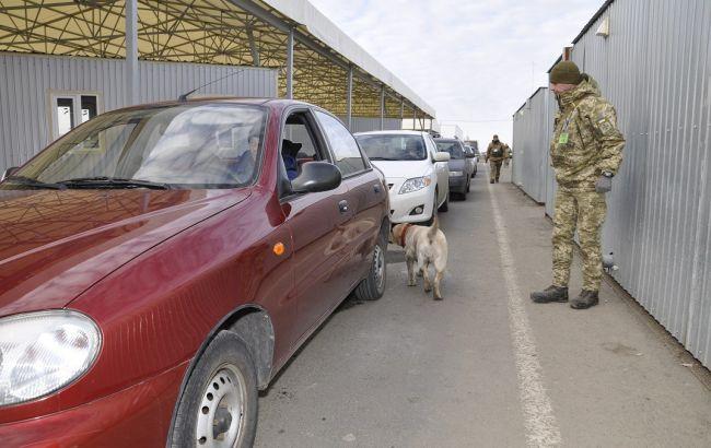 Пункты пропуска на Донбассе за сутки пересекли 19,5 тыс. человек