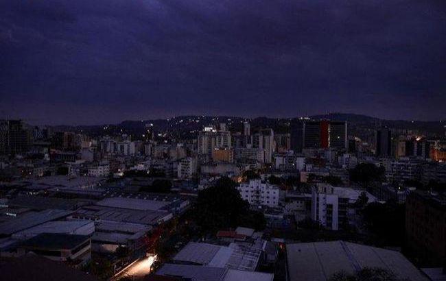 Из-за отключения света в Венесуэле объявили дополнительный выходной