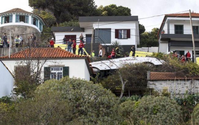 На Мадейре перевернулся автобус с туристами, погибли 28 человек