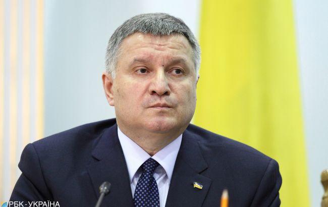 Аваков заявил о подкупе избирателей перед вторым туром