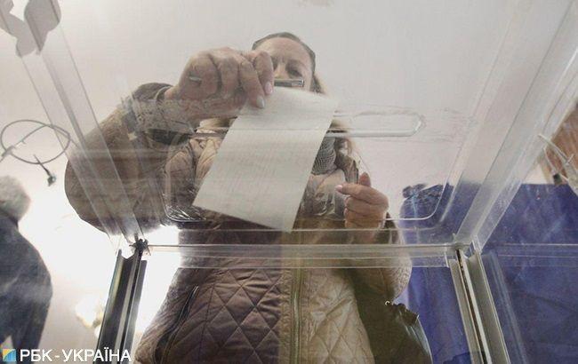 В ЦИК объяснили нехватку бюллетеней на участках