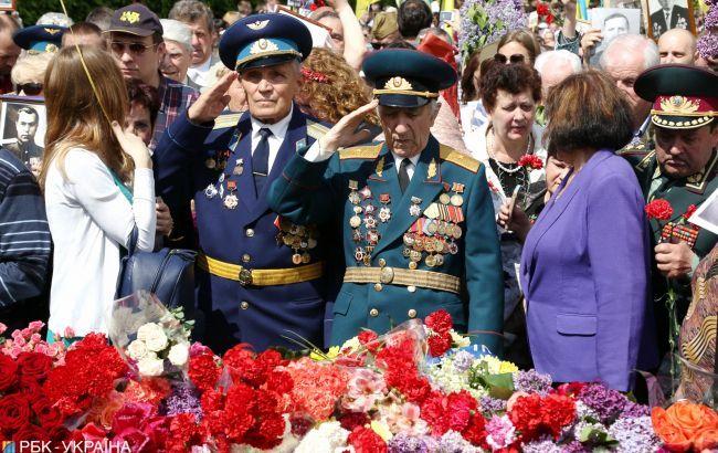 В Киеве в акциях приняли участие более 4 тыс. человек, - Крищенко