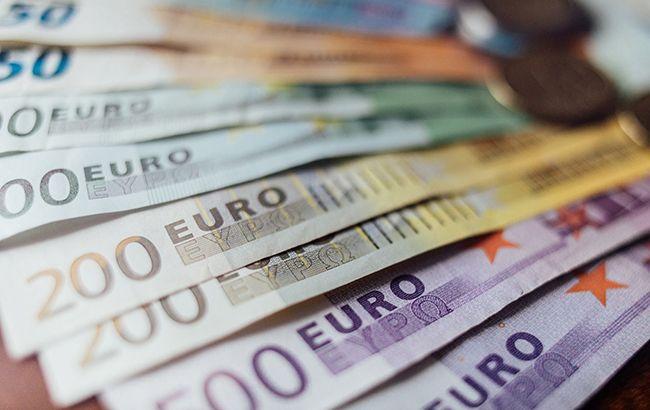 Евросоюз оштрафовал пять банков на миллиард евро
