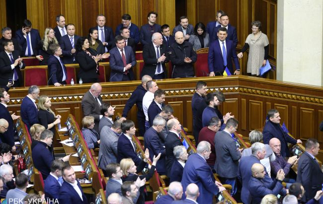 Роспуска Рады и досрочных выборов хотят меньше половины украинцев
