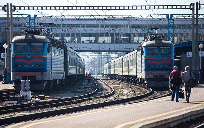 УЗ на лето продлила маршруты поездов