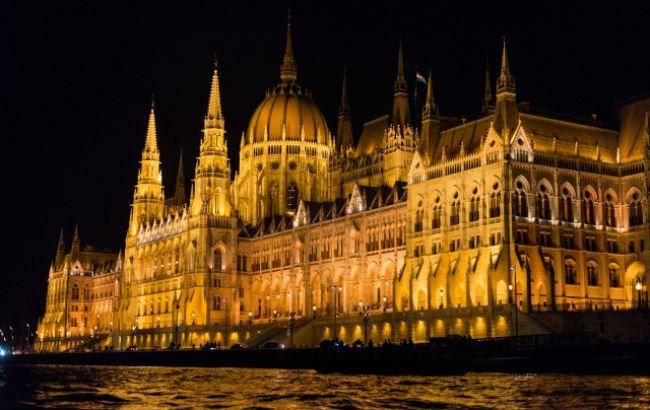В Будапеште перевернулся катер с туристами, есть жертвы