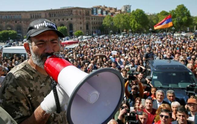 Пашинян призвал ко второму этапу революции в Армении