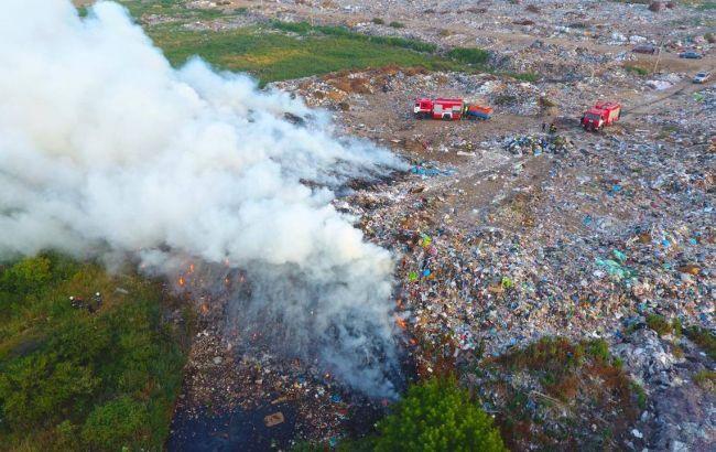 В Ровенской области горит свалка