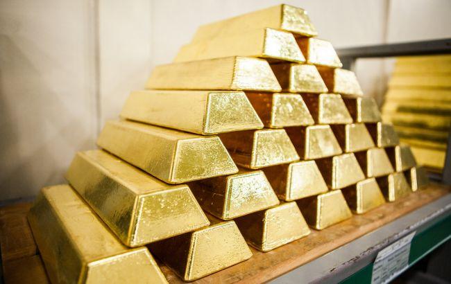 НБУ снизил курс золота