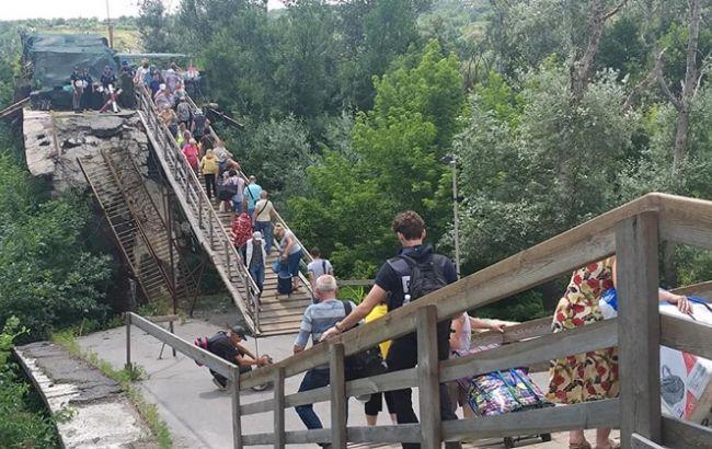 В Кабмине подготовили план восстановления моста в Станице Луганской
