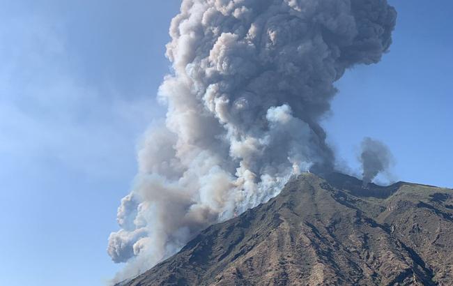 В Италии при извержении вулкана погиб человек