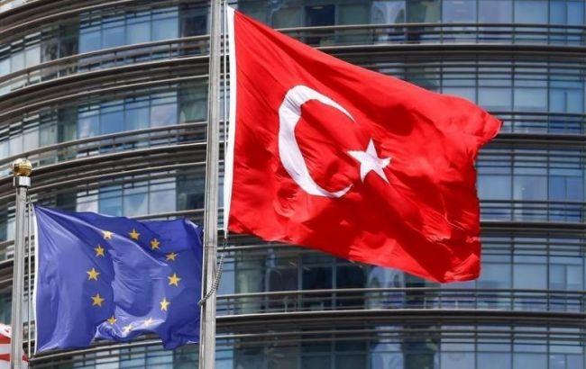 Евросоюз приостанавливает контакты с Турцией на высшем уровне