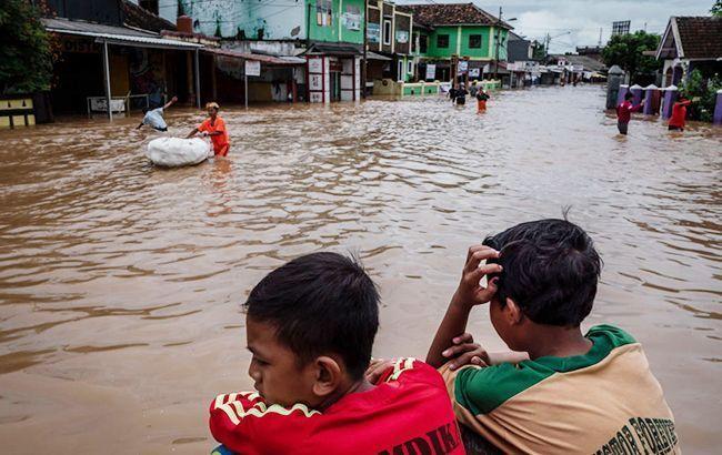 В зоне наводнения в Индии оказались более 60 тыс. человек