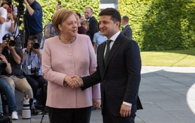 Появились детали телефонного разговора Зеленского с Меркель