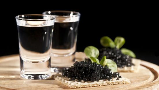 Чем закусывать крепкие напитки?