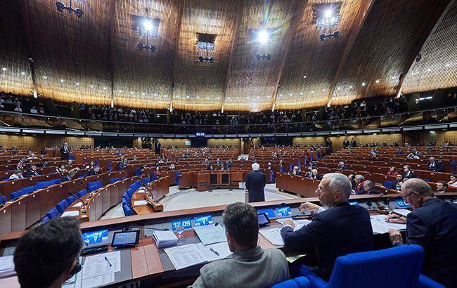 Великобритания просит пересмотреть возвращение России в ПАСЕ