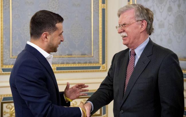 Зеленский обсудил с советником Трампа свой визит в США