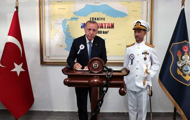 Эрдогансфотографировался на фоне карты, нарушающей границы Греции