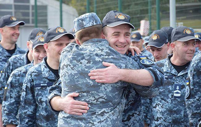 Освобожденные украинские моряки вернулись в Одессу