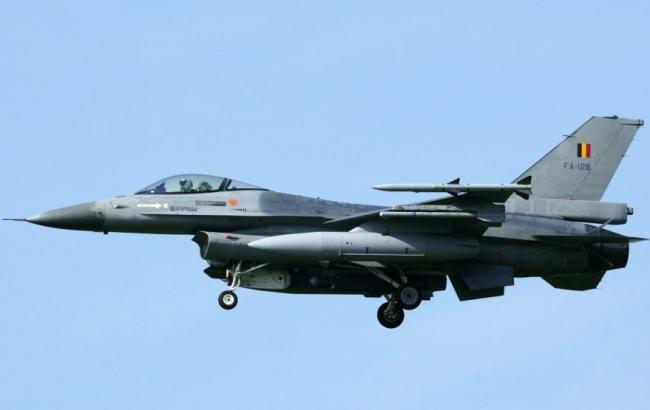 Во Франции разбился истребитель F-16