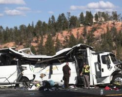 В США перевернулся туристический автобус, есть погибшие