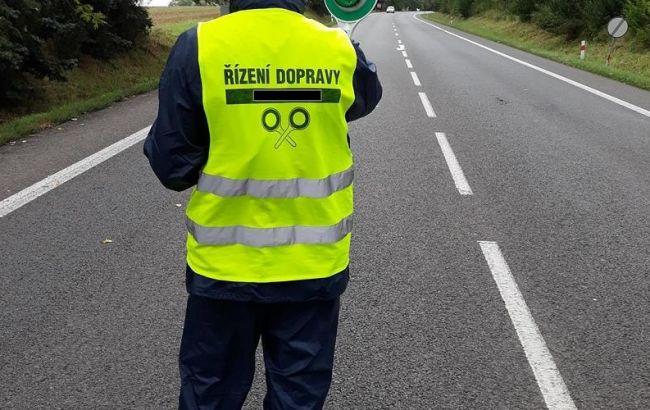 В Чехии двое украинцев незаконно регулировали дорожное движение