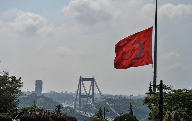 В Турции прогремел взрыв на автодороге, 4 человека погибли
