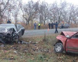 В Винницкой области столкнулись два автомобиля, есть жертвы
