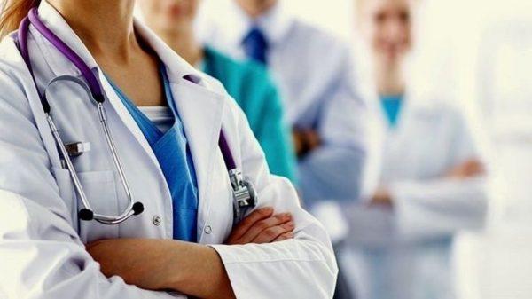 Большой выбор медицинских халатов и костюмов