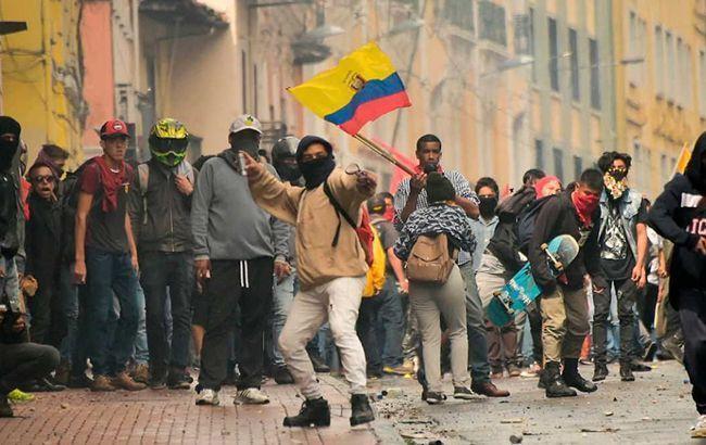 Президент Эквадора ввел в столице комендантский час