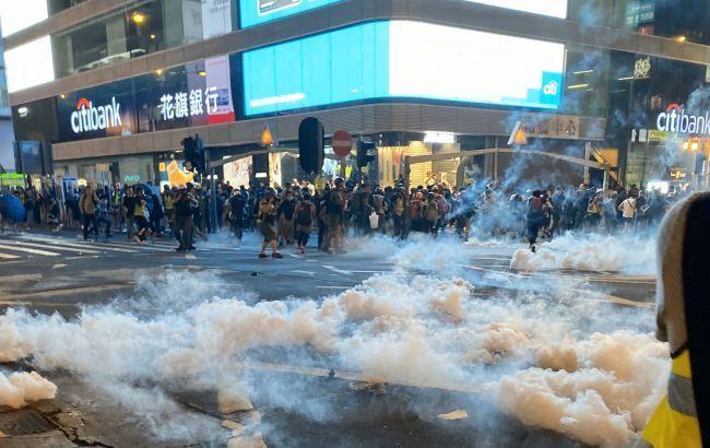 Во время протестов в Гонконге пострадали 17 человек