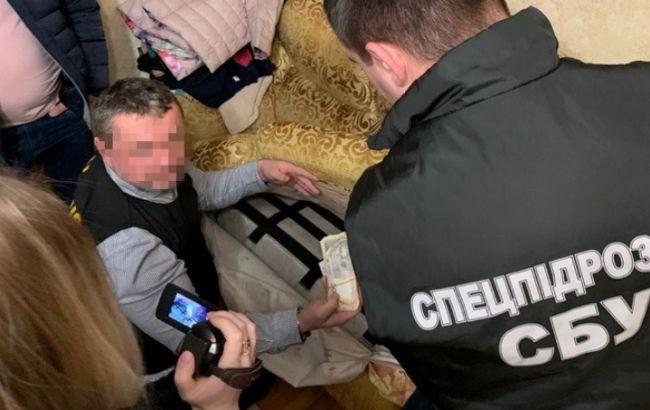 СБУ в Хмельницкой области разоблачила чиновника Минобороны на системной коррупции