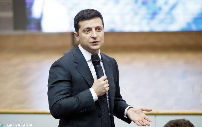 Зеленский заявил, чтонынешнюю власть ожидает еще много кадровых изменений