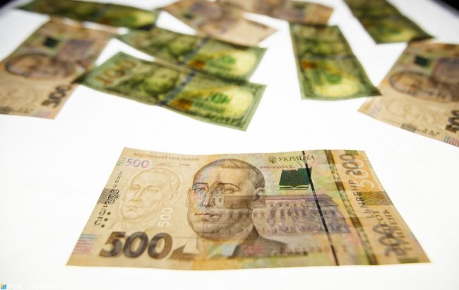 Курс доллара на межбанке поднялся выше 25 гривен