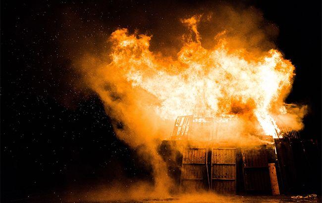 В Днепре во время пожара в доме пострадали двое людей