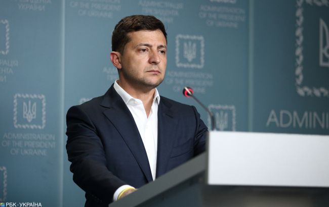 Зеленский разрешил лечение украинцев в