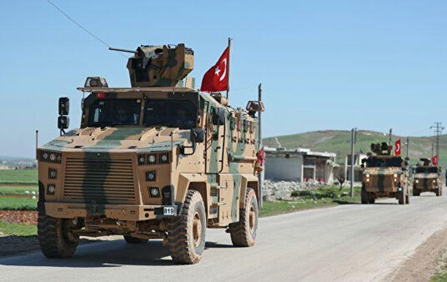 Турция продолжает стягивать танки к Идлибу