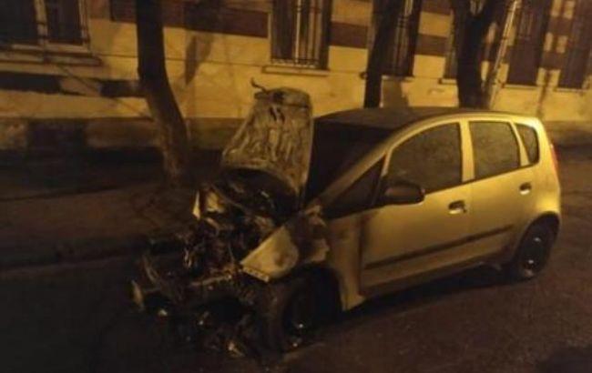 Поджог машины журналистки во Львове: подозреваемому избрали меру пресечения