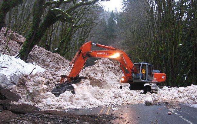 В Карпатах сохраняется высокая лавинная опасность