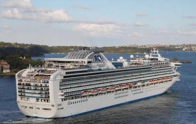 В США выявили коронавирус у 11 эвакуированных с лайнера Diamond Princess