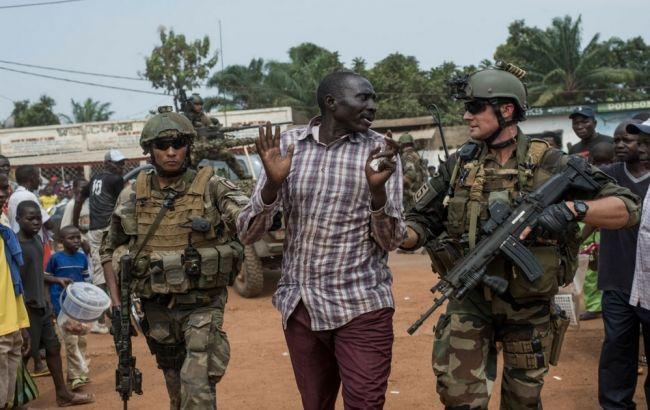 Франция отправит 600 военных в Африку