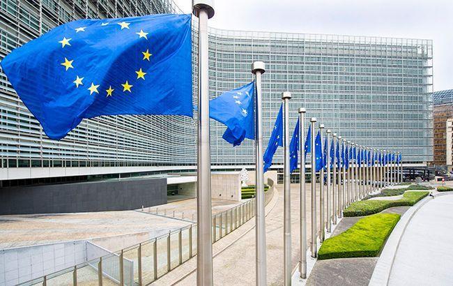 Евросоюз направил в Китай 12 тонн защитной одежды