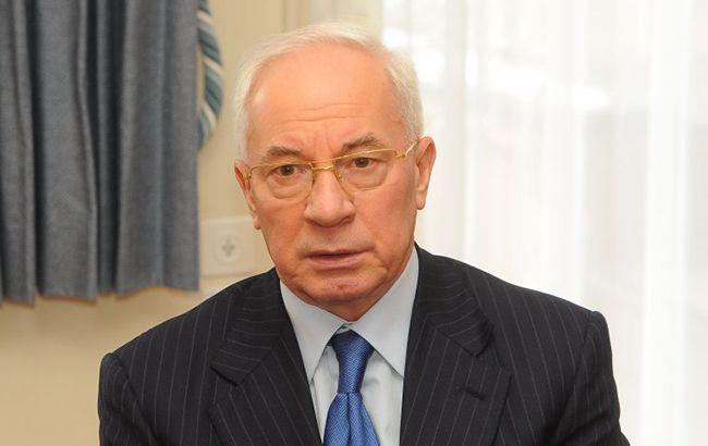ЕС планирует снять санкции с Азарова и Ставицкого, - журналист