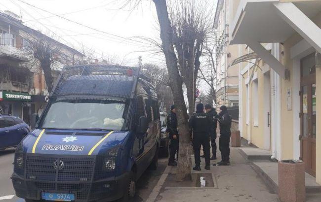Суд избрал меры пресечения для 22 подозреваемых в штурме горсовета в Жмеринке
