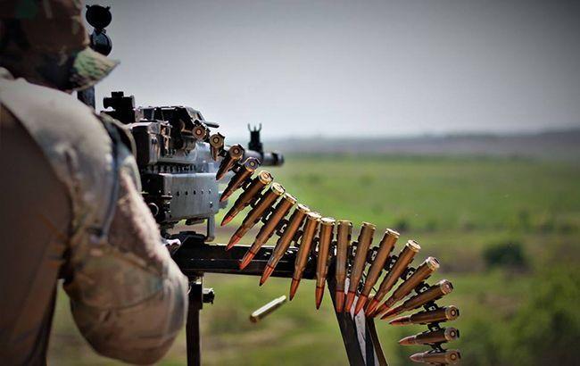 На Донбассе боевики выпустили более 50 мин, украинский военный получил ранение