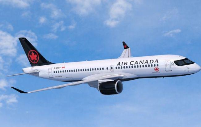 Канадская авиакомпания сокращает половину персонала из-за коронавируса